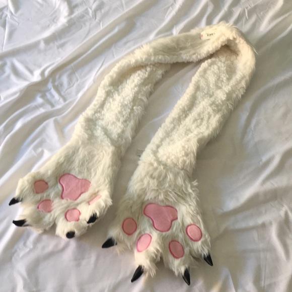 c156d6cd0db6b New w tag Bear paw winter scarf. NWT. jcpenney